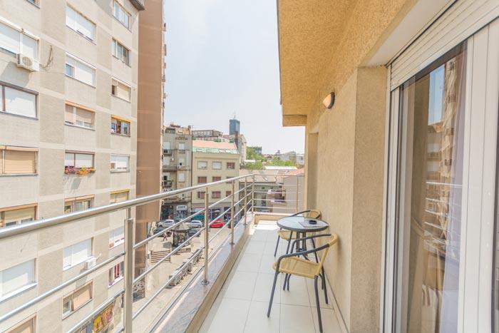 Apartman A 413 dve spavace sobe sa terasom | Feel Belgrade Apartmani